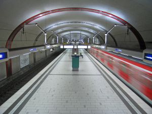 1220282_subway_station